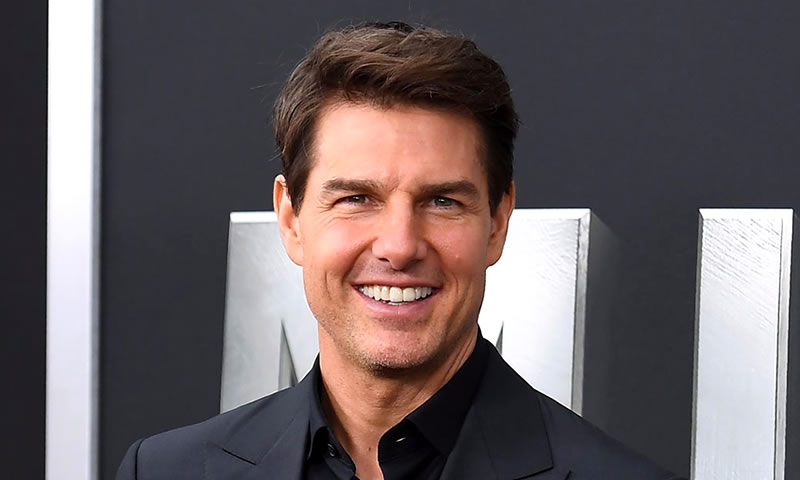 Did Tom Cruise Have Plastic Surgery? (Before & After Photos)