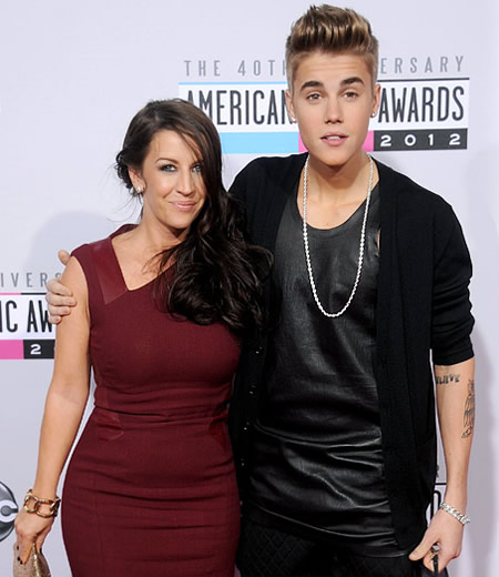 Justin Bieber 2012 with his mom