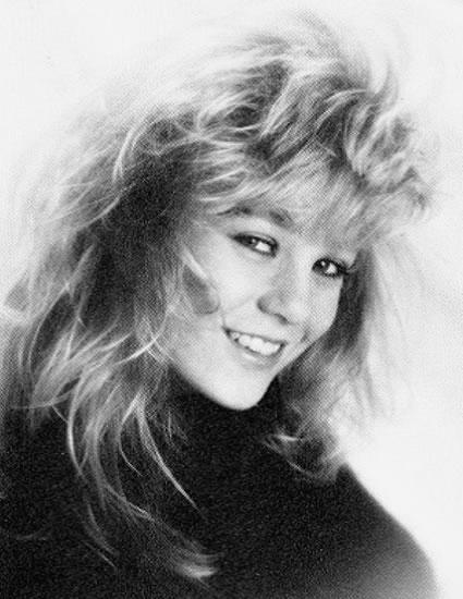 Young Ellen Pompeo during her high school days