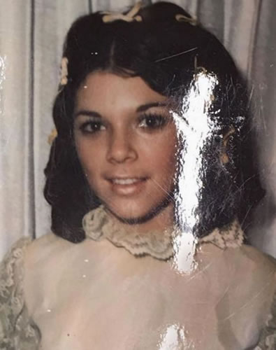 Kris Jenner when she was young as a kid in her teen