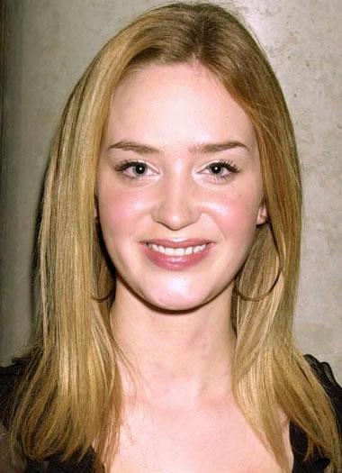 Emily Blunt in 2001
