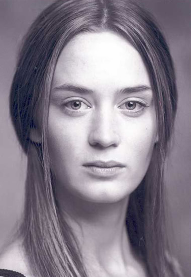 Young Emily Blunt looking young and natural
