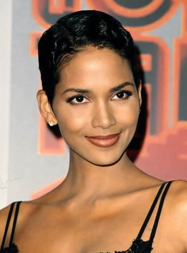 Halle Berry in 1995