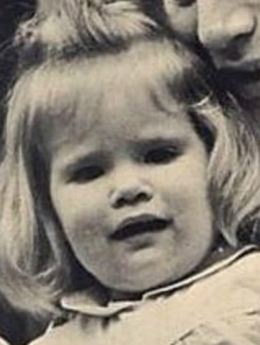 Jennifer Jason Leigh as a baby